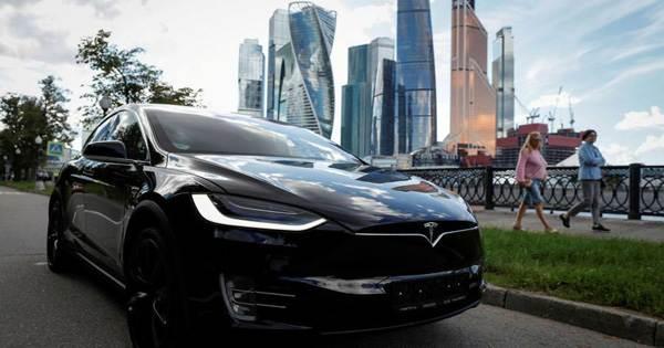 Tesla Boss Elon Musk Releases an Electronic Dance Music Track