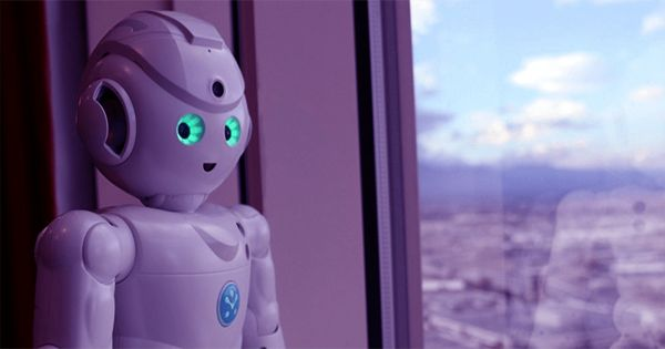Robots Offering Encouragement Drive People to Take Risks, Study Suggests