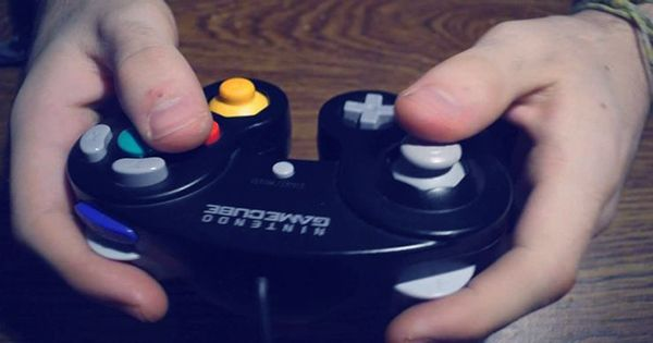 Scientists Are Finally Studying Why Some of You Nerds Don't Invert Your Controllers