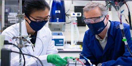 Scientists split sea water into hydrogen fuel 1