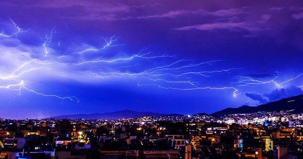 The 700-Kilometer Megaflash Sets New Lightning World Record