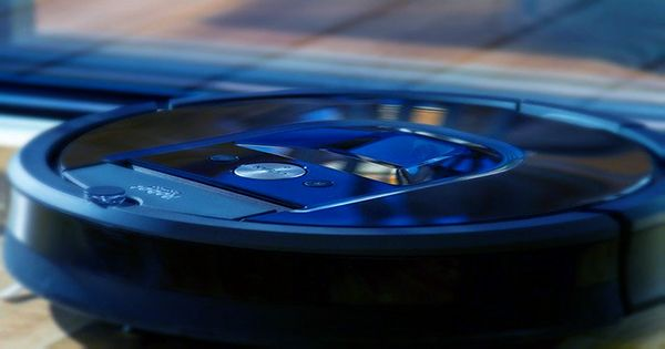 """Latest Roomba Update Has Created """"Drunk"""", Spinning Robots"""