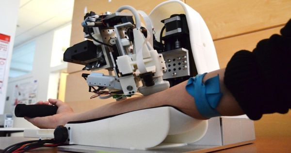 Researcher develops Medical Robots to support the work of doctors