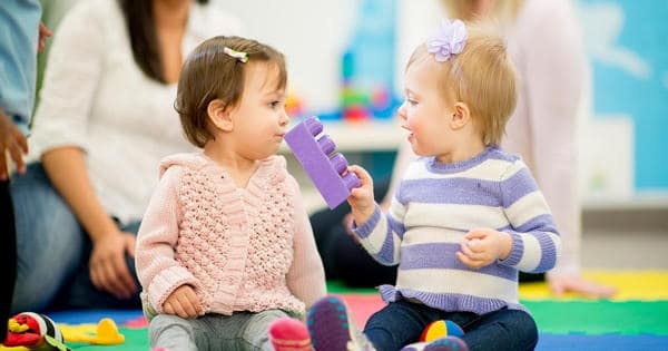 Babies can recognize combinations of words even utter their first word