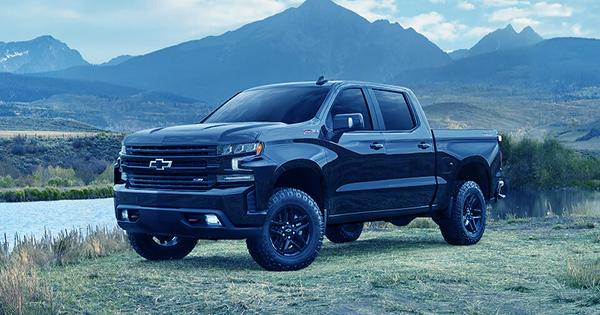 GM to build an electric Chevrolet Silverado pickup truck with more than 400 miles of range