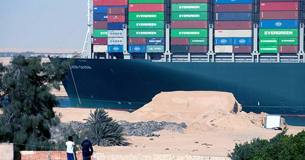 The Crew That Freed The Suez Canal Freighter Got Some Crucial Help From Space