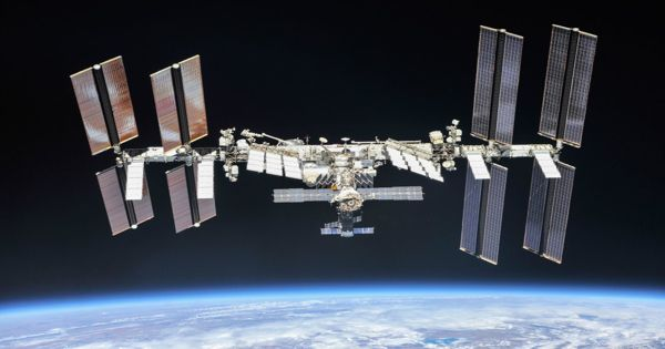 22nd SpaceX mission carrying scientific research and technology to International Space Station