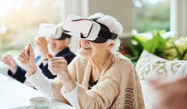 Researchers-Investigating-VR-Technology-to-Help-Improve-Balance-in-Older-People-1