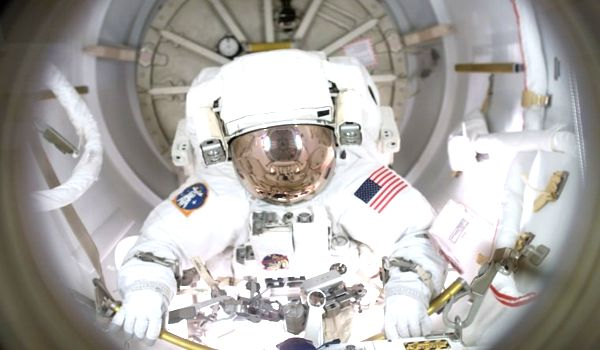 Female-Astronauts-has-assessed-the-Risk-of-Blood-Clots-within-Spaceflight-1