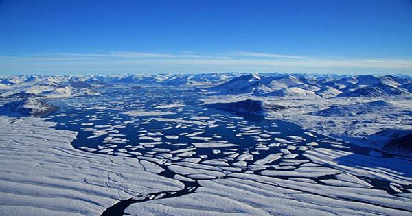 Mercury-Rich Water is Flooding Out of Greenland's Melting Ice Sheet