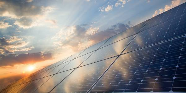 Tossing-Worn-out-Solar-Panels-into-Landfills-Fosters-Green-Planet-1