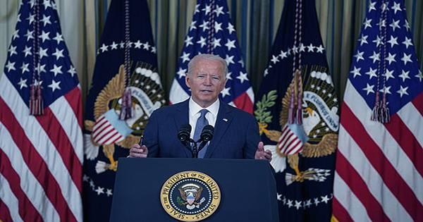 Biden's Sweeping Executive Order Takes on Big Tech's 'Bad Mergers,' ISPs and More
