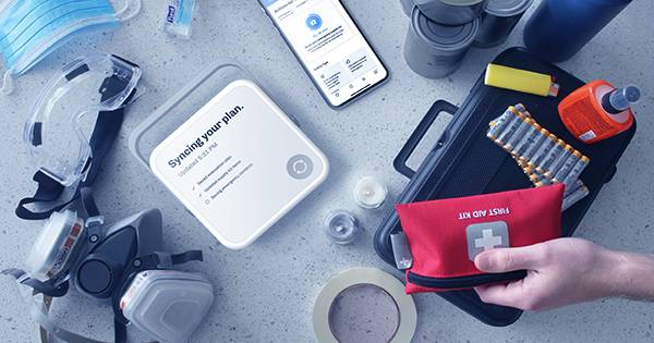 Don't go Camping without this Smart Emergency Kit