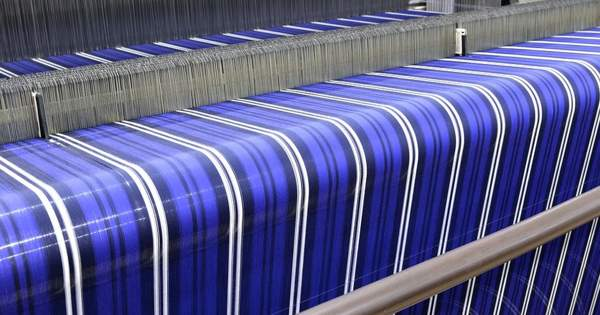 Print Layers of Electrically Conductive Ink on Polyester Fabric to make an e-textile