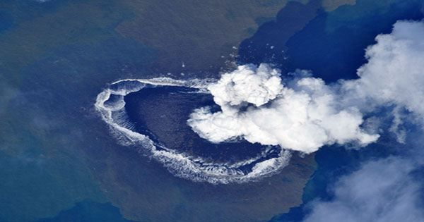 Japan has a New Island Thanks to Underwater Volcano Eruption