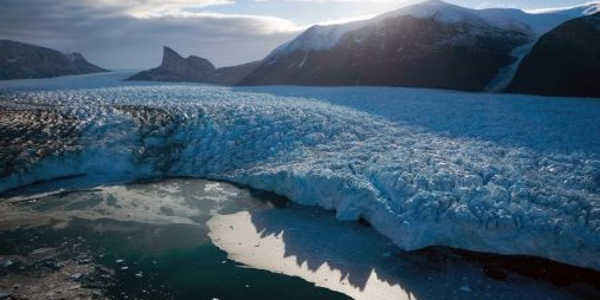 Climate-Change-Poses-a-Threat-to-the-Polar-Oceans-Abundant-Food-Webs-1